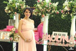 10122016 Norma Flores de Serna en la dulce espera de Paulina.