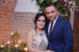 10122016 Gaby y Mario, felices por su enlace matrimonial.