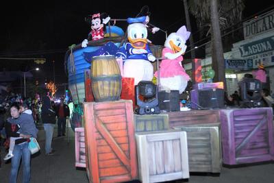 También estuvieron los personajes de Disney como Mickey Mouse y el Pato Donald.