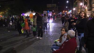 Este día se concentra una mayor cantidad de feligreses y de peregrinos, incluso algunas calles fueron cerradas por el hecho de que se iniciaron los tradicionales rosarios con las danzas y la esperada reliquia.
