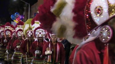 Las danzas son una mirada al pasado, a la esencia de todo un pueblo y su cultura, representado con movimientos que van al son de las tamboras. Sin duda, no podían faltar en la peregrinación para festejar el Día de la Virgen de Guadalupe.