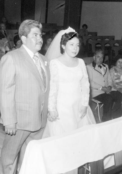 11122016 Luis Enrique Saucedo Quintero y Martha Socorro Escalera Ramírez Choy de Saucedo contrajeron nupcias en la Iglesia de Santa María Reyna en 1978.