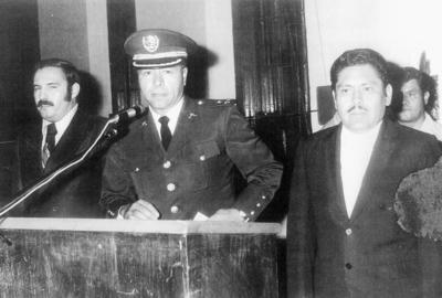 11122016 El General Adolfo Hernández Razo acompañado de José Solís Amaro y Jesús Reyes en el aniversario de los Niños Héroes en los años 70.
