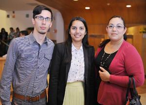 11122016 Israel, Karla y Cristina.