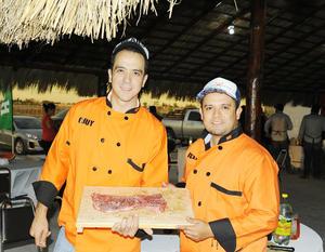 12122016 Ale Ruiz y Chuy Gamón.