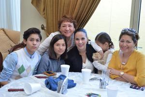 11122016 EN UN CUMPLEAñOS.  Rocío, Javi, Valeria, Valeria, Renata y Magda.
