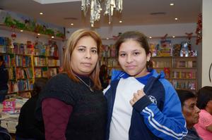 12122016 Nancy y Sofía.