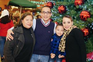 11122016 Guadalupe, César, Omar y Jessica.
