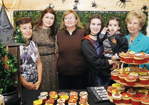 11122016 TRES AñOS DE AURORA.  Perla Máynez Torres, María Luisa Pérez, Perla Torres, Consuelo Jiménez y Aurorita Máynez acompañaron a la pequeña Aurora Aranda Máynez en su fiesta de cumpleaños.