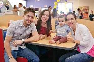 11122016 GRATOS MOMENTOS.  Jorge, Perla, Emilio y Lorena.