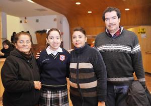 11122016 Isabel, Cecy, Patricia y Javier.