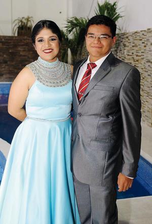 11122016 Carolina Velázquez y Armando Coronado.