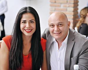12122016 EN PAREJA.  Tania y Richo.
