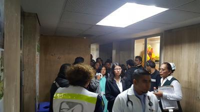 No escatimaron en las medidas de seguridad y pidieron la evacuación del mismo cuarto piso y del tercero.