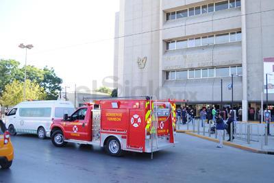 Una gran movilización policiaca y de elementos de rescate de generó ante el reporte del conato de incendio.