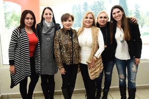 13122016 Lily, Brenda, Mariana, Lety, Rocío y Angélica.