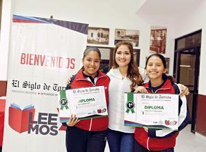 13122016 EN PREMIACIÓN.  Galilea Mejía, Miss Marisol Gallardo y Jimena Magallanes.