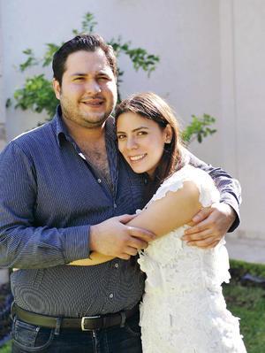 13122016 POR CASARSE.  Mario Carlos y Lily.