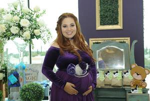 13122016 SERÁ MAMÁ.  Dora Elia en el baby shower que se le organizó hace unos días.