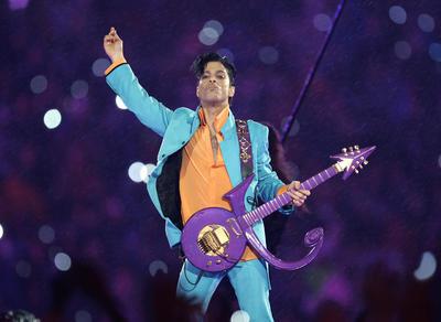 Prince también se une a la lista de las celebridades más buscadas en Google este año, después de su muerte en abril.