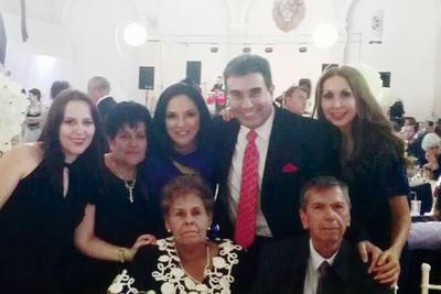 15122016 Familia Valadez Rocha.