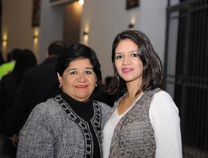 15122016 Ana y Paulina.