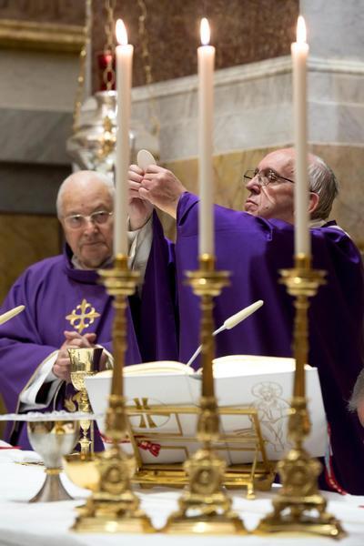 Tras la celebración eucarística, el papa siguió con su agenda normal.