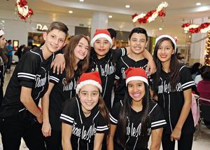 19122016 Luis, Paulina, Alejandra, Fernanda, Juliete, Lalo y Tania.