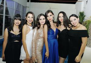 18122016 MUY GUAPAS.  Karime, Kim, Lucero, Sara, Alejandra y Nataly.