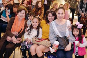 18122016 CONTENTAS.  Norma, Valentina, Pia, Sarahí y Maty.