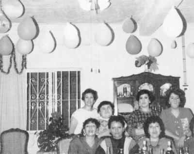 18122016 Josefina Alonso, Concepción García, Olivia Corral, Ma. Teresa Zubiría, Consuelo Fabián, Marisela Limones y Mónica Menchaca, en el 25 aniversario de haber egresado del Instituto Latinoamericano.