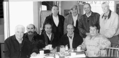 18122016 Víctor González Avelar, Antonio Alanís Ramírez (f), Javier Garza, Alejandro Pérez de la Vega, Heriberto Ramos Salas, Rodolfo González Treviño, Fernando Díaz Vélez y Bernardo Segura Gurza, Los Coffee Boys del Calvete, en diciembre de 2004.