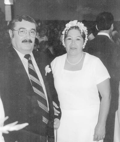 18122016 Ángel Benito y Martha Hernández en su renovación de votos.