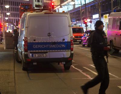Trascendió que el conductor del camión se dio a la fuga por lo que se inició un operativo para dar con su paradero. Más tarde se logró la detención de un sospechoso.