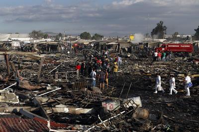 Una fuerte detonación se registró en el mercado pirotécnico de San Pablito ubicado en Tultepec.