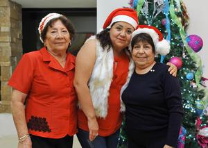 21122016 Betty, Karina y María Elena.