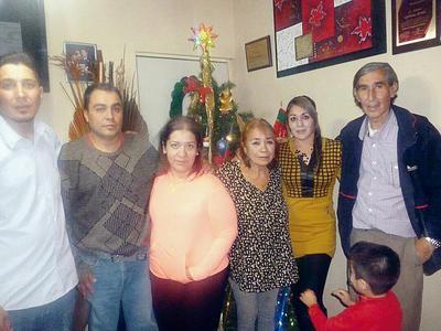 22122016 Familia Quiñones.