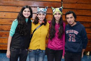 22122016 Paty, Leonor, Elisa y David.