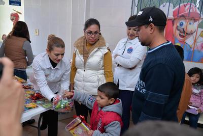 """""""Traemos diariamente al Hospital Infantil alimentos, para los acompañantes, para que no pasen carencia de comida, empezamos apoyando al área de Oncohematología y ahorita ya apoyamos a todos"""", indicó Argelia."""