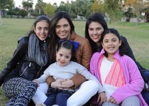 Sofía, Andrea, Marisofi, Marian y Elena