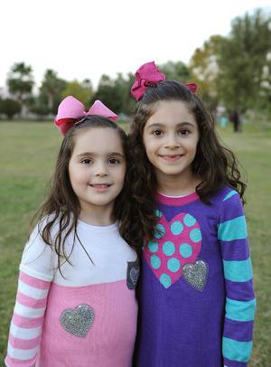 24122016 Jessica y Ángela.