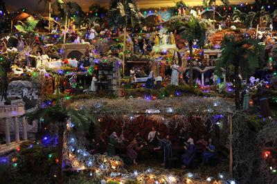 Al menos en su caso, las tradiciones navideñas están más vivas con cada año que pasa.