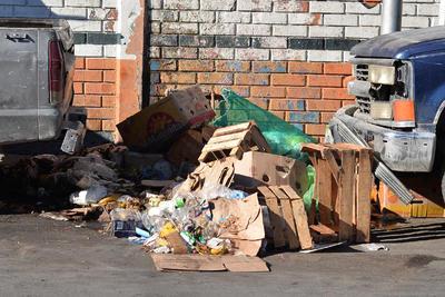 Algunos trabajadores de PASA, aseguraron que la mayor concentración de basura, se registró sobre la avenidas Presidente Carranza, Hidalgo y Juárez y hasta la calzada Colón.