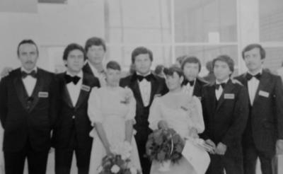 25122016 Martha Lourdes Robles, Claudia Moyita Dueñas, Heriberto Cano, Adolfo Silveira, Roberto Bañuelos, Juan Mesia, Pablo Salazar, Rafael Martínez y Jorge de León (f), en su graduación de M.V.Z. en la UAAAN Unidad Laguna en diciembre de 1981.
