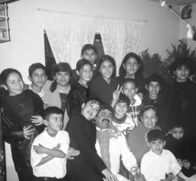 25122016 Familia González hace algunas navidades.