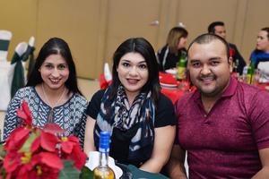 26122016 Lorena, Nayive y Héctor.