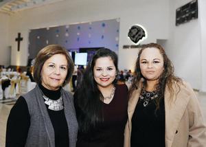 26122016 Magaly, Mariana y Gaby.