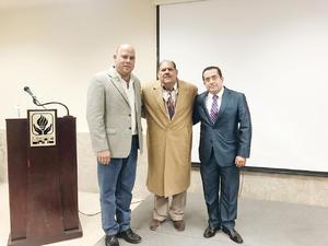 25122016 Lic. Francisco Ramos, Dr. Francisco López y Lic. Gilberto Silva.