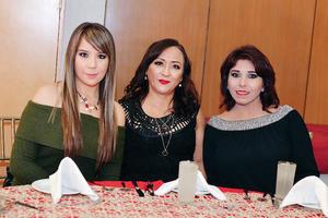 26122016 Karla, Verónica y María Elena.