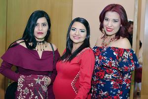 26122016 Wendy, Karla y Valeria.